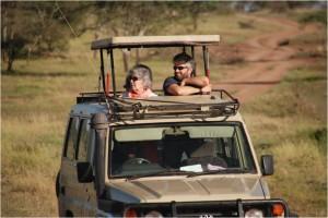 Frambidaiako bezeroek Serengetiko safari pribatua egiten.