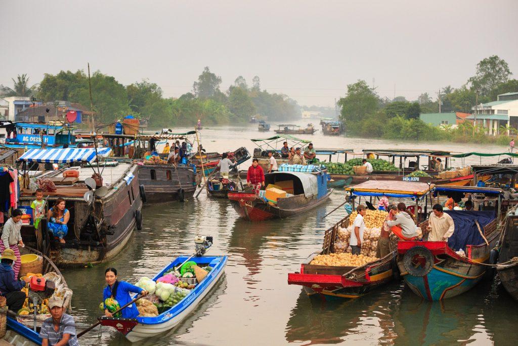Ho Chi Mingeko merkatu flotagarria.