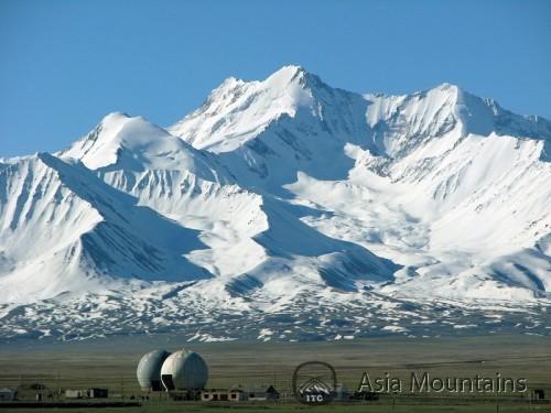 Kirguistan En moto y Trekking