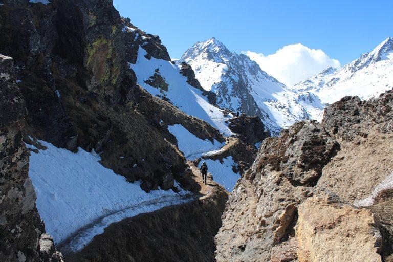 Camino durante el Trekking de Lantang