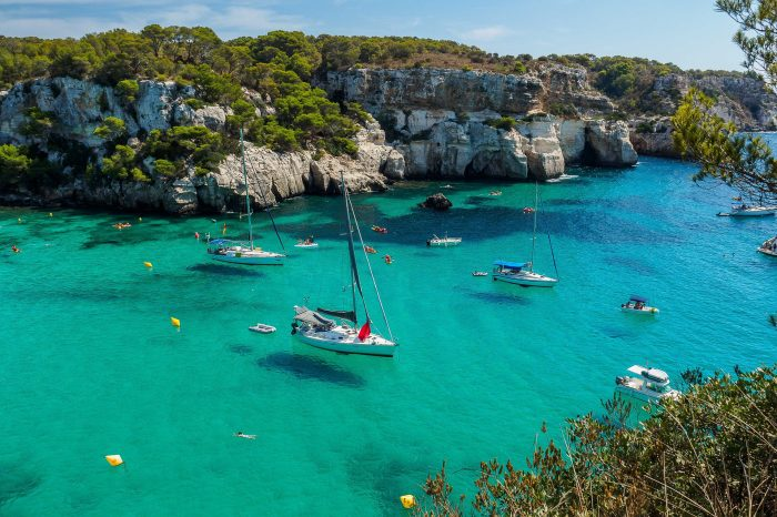 Estancia en Menorca en vuelo directo desde Bilbao